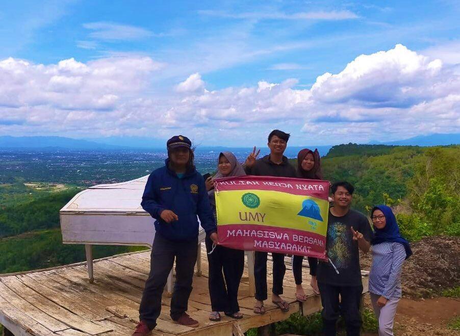 Pengabdian UMY Kembangkan Promosi Kerajinan dan Wisata Banjarharjo 1