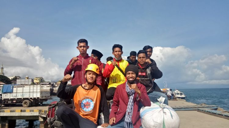 Relawan SARMMI dan Relawan IKIP UM Menjalankan Puasa di Lokasi Banjir NTT