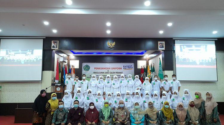 Pengucapan Janji Calon Perawat Mahasiswa Politeknik 'Aisyiyah Sumbar
