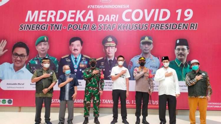 UMT Gandeng TNI-POLRI dan Staf Khusus Presiden Sukseskan Vaksinasi