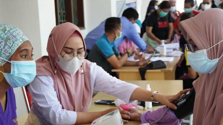 UM Sorong Selenggarakan Vaksinasi Covid-19 Massal