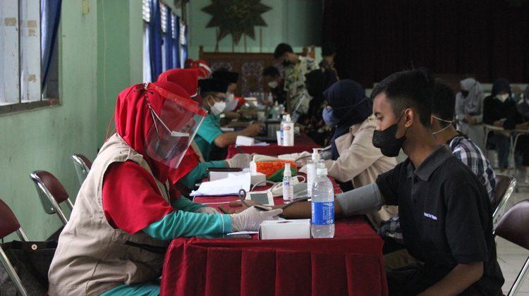 Milad ke-57, UM Purworejo Adakan Vaksinasi Masal