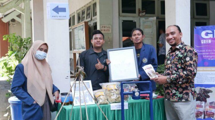 UM Gresik Community Service Program Result Exhibition