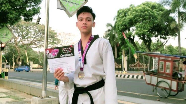 UM Metro Students Won Silver Medals on International Taekwondo Competition